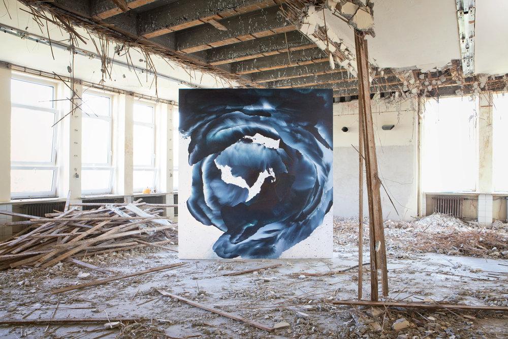 zdroj: Schemnitz Gallery Keď budem veľká, chcem byť vodopád, 270 x 300 x 300 cm, akryl na plátne, 2014